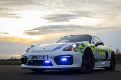 Porsche cayman gt4 police 1