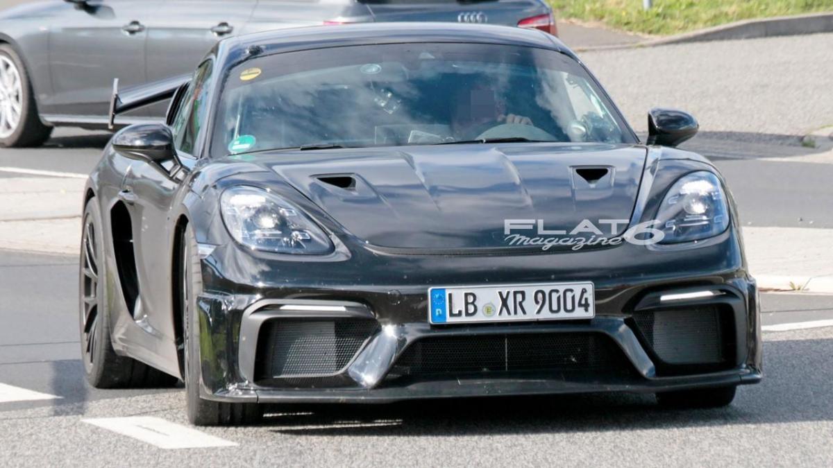 Porsche cayman gt4 rs 3