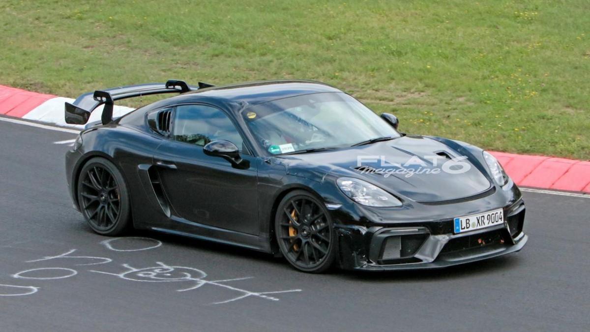 Porsche cayman gt4 rs 8