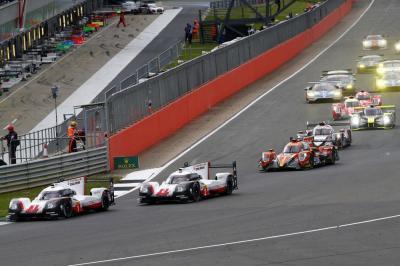 Porsche lmp team race start