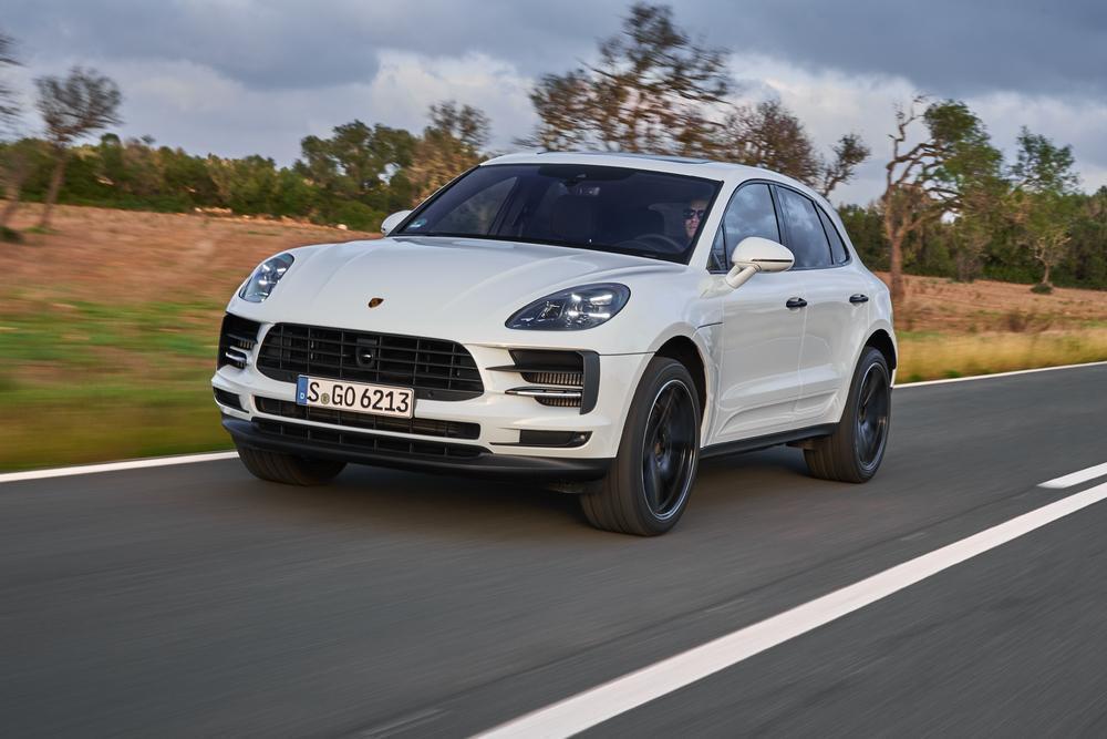 Porsche macan blanc avant