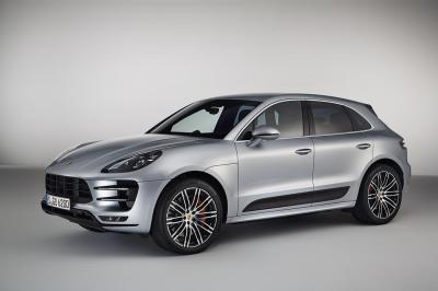 Porsche macan turbo avec pack performance 5