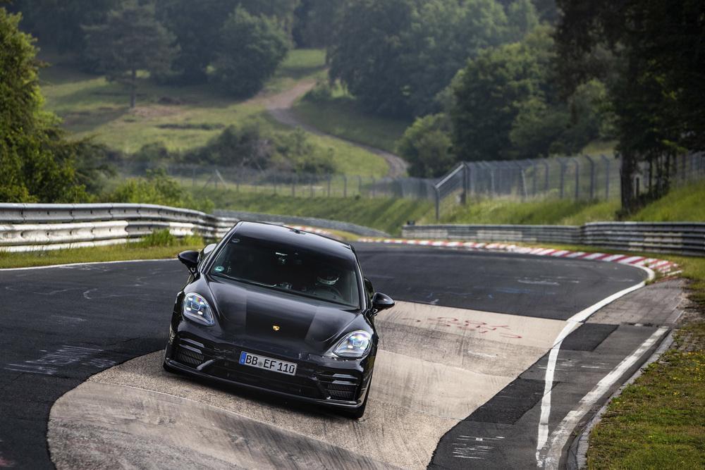 Porsche panamera nurburgring nordschleife