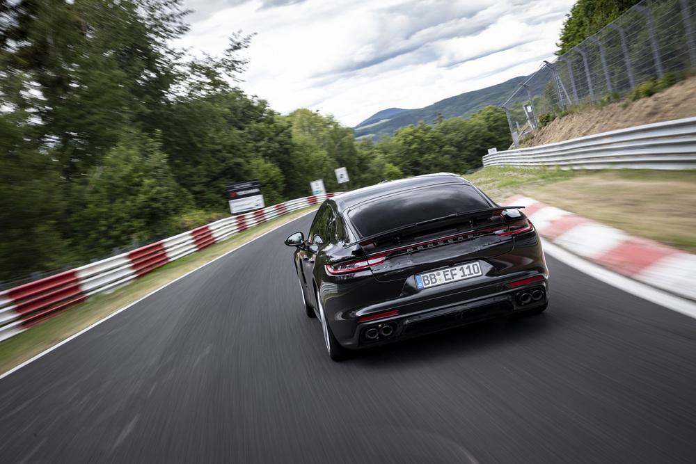 Porsche panamera turbo nurburgring