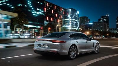 Porsche panamera turbo s e hybrid 2