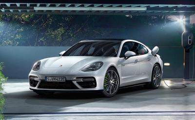 Porsche panamera turbo s e hybrid
