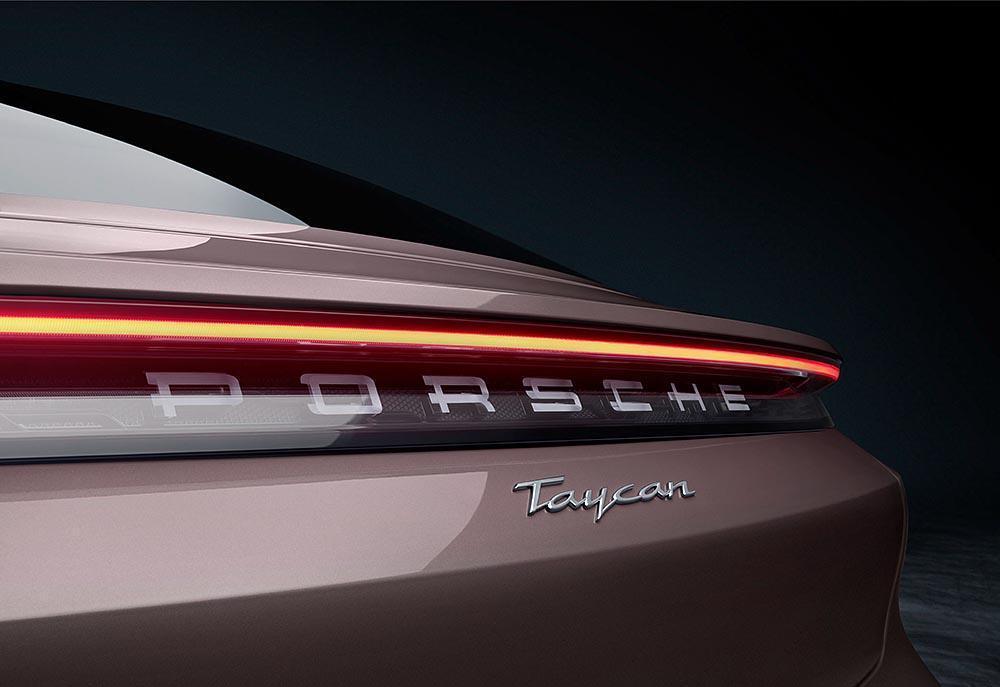 Porsche taycan baie givree