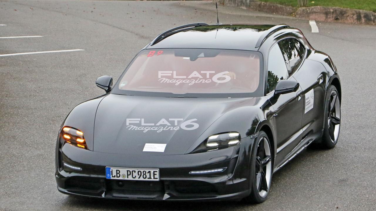 Porsche taycan cross turismo 2